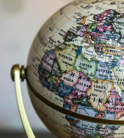 globe-1130840_1920